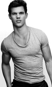 Taylor Lautner profile
