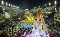Rio-carnival-2015-samba-schools-parade-despite-storms
