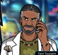 Yann Con el teléfono