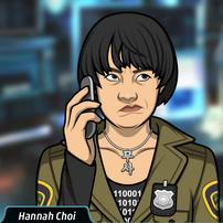 Hannah hablando por teléfono