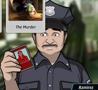 Ramirez Sosteniendo una carta asesina