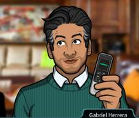 Gabriel Sosteniendo una grabadora de voz1