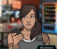 Rita Entregando su teléfono