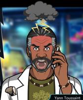 Yann Con el teléfono, furioso