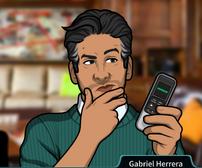 Gabriel Sosteniendo una grabadora de voz3