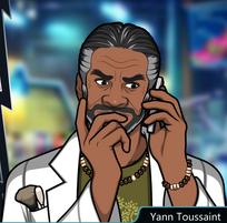 Yann Con el teléfono, pensando