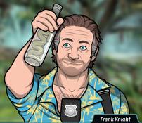 Frank Viendo una botella