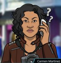 Carmen hablando por telefono
