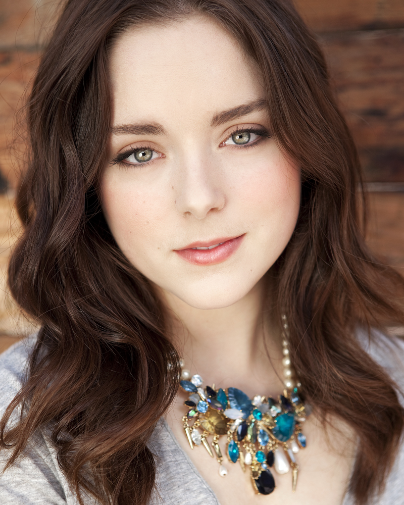 Madison Davenport Nude Photos 33