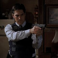 Hotch with the Glock 17 in