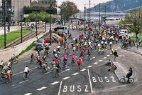 Mass below the Chain bridge - 2 - Critical Mass 2006 april