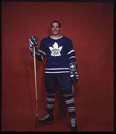 File:230px-Frank Mahovlich - Toronto Maple Leafs - LAC E002505650.jpg