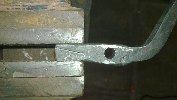 Reinforcing trigger with contact surface with high-carbon steel - 01
