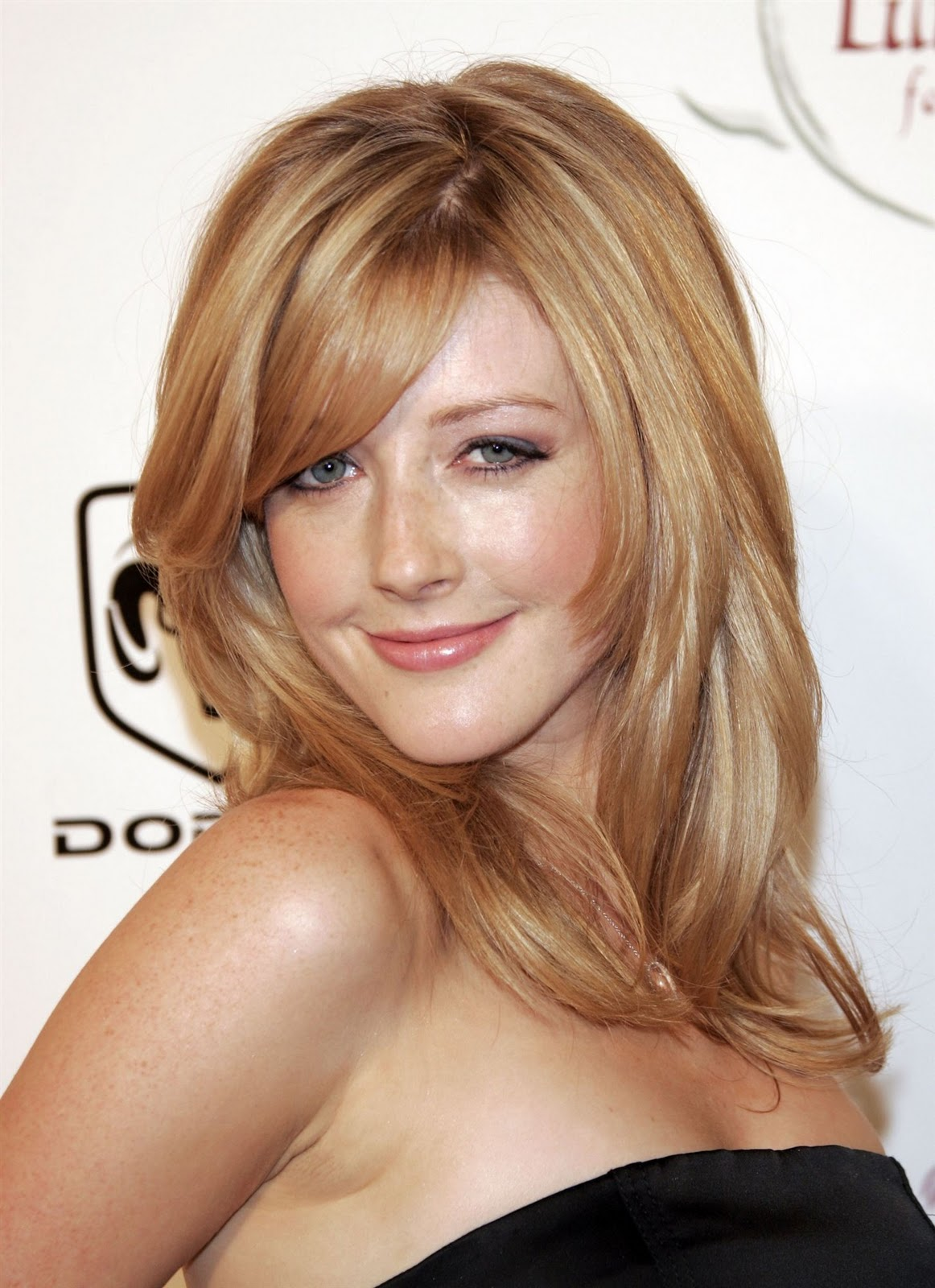 Watch Jennifer Finnigan video