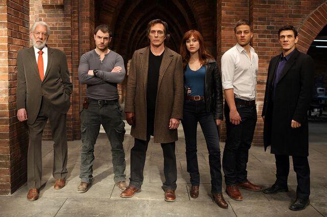 File:Crossing Lines Season 1 First Cast Promo.jpg