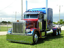 Peterbilt-379-middle sleepercab