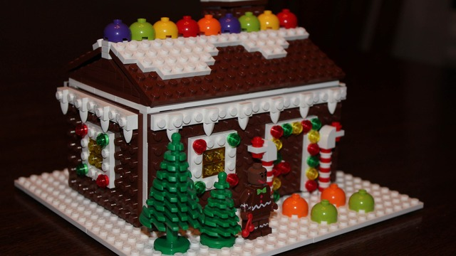Delightful Christmas / Holiday Gingerbread House