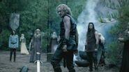 Mikael-3x08-Ordinary-People-mikael-the-vampire-hunter-26537405-1280-720