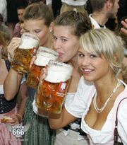 Beer-drinking-girls-cheers