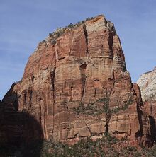 800px-Angels Landing - Zion Canyon