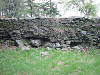 How-to-build-a-stone-wall1