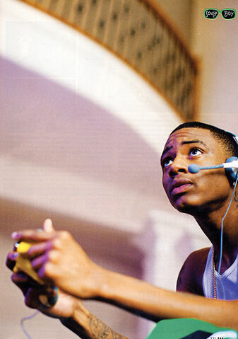 File:Soulja boy playing xbox live.jpg