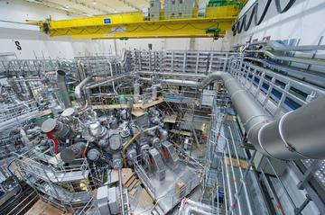 File:Plasma- reactor.jpg