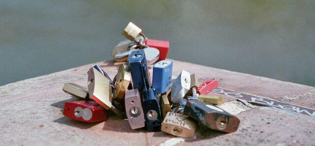 File:Remembers Locks.jpg