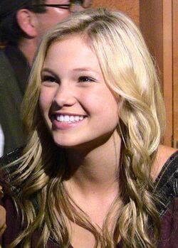 Olivia Holt 2011 04
