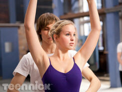 Dance-academy-through-the-looking-glass-picture-5