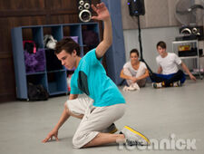 Dance-academy-family-picture-5