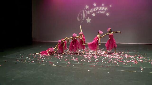 File:709 Group Dance 2.jpg