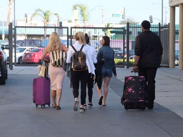 File:724 HQ - Team leaving the comp (2).jpg