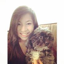 Sarah Parish with dog 2014-03-16