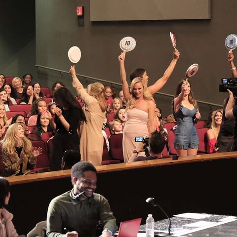 File:724 HQ - Moms in the audience (2).jpg