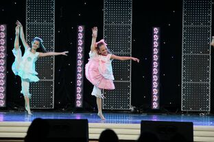 Rag Dolls - Brooke Hyland and Maddie Ziegler
