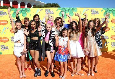 Dance Moms Cast at KCA 2015 490x340