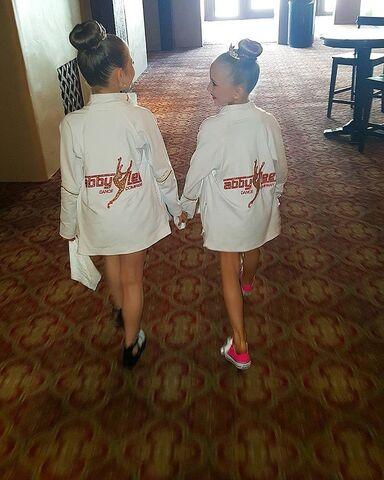 File:720 Elliana and Lilliana at Competition.jpg