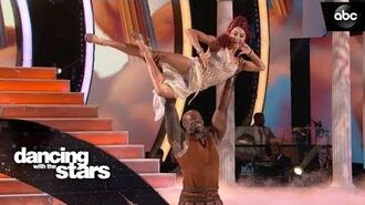 DeMarcus & Lindsay's Charleston – Dancing with the Stars