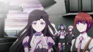Tsumiki holding Kimura's medicine