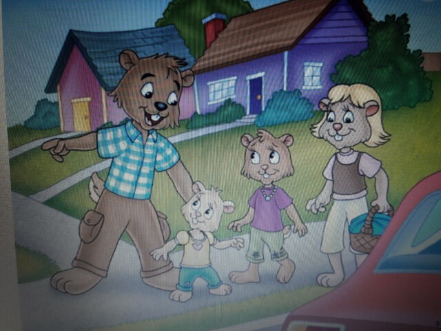 File:Nora and her family.jpg