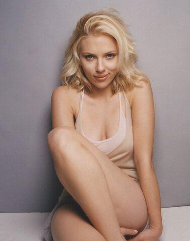 File:Scarlett johansson 010.jpg