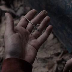 Magnus finds the pendant