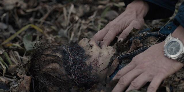 File:Dark 1x01 - Boy with charred eyes.jpg