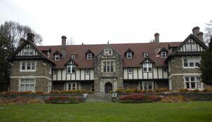 Sparrow manor