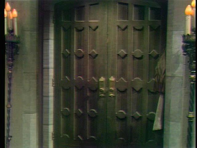 FileCollinwood-Foyer-Front door.jpg & Image - Collinwood-Foyer-Front door.jpg | The Dark Shadows Wiki ...