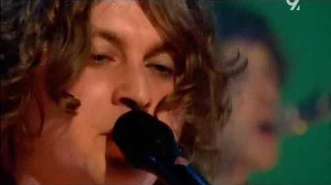 The Zutons - Valerie (Live Jools Holland 2008) (sub's)