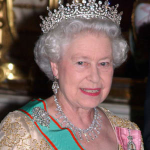 File:Queen-elizabeth-ii-9286165-1-402.jpg