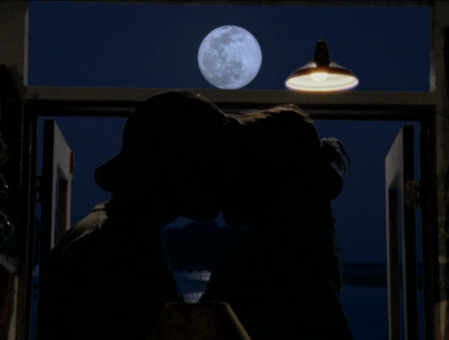 File:Moonkiss.png