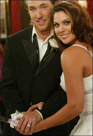 Who is brady black dating on days of our lives